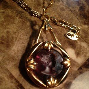 Avon original vintage glass reverse cameo pendant